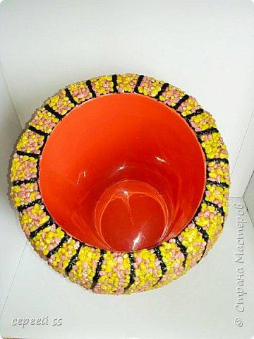 Попытка использовать готовую вазу. Самую дешевую плассмасовую вазу , почти прямой формы.   фото 2