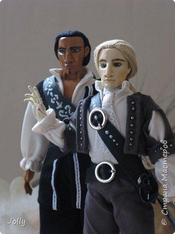 Уолтер Балор, маг-универсал, и его капитан и друг, Армандо дел Морено (срисован с капитана Салазара, ага).  фото 1