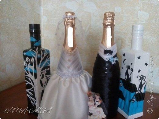 Доброго времени суток, Страна!! Продолжаю готовиться к свадьбе Дашеньки. К шкатулке  https://stranamasterov.ru/node/1147715  добавились еще 4 бутылки. Две - костюмы на бутылки и две под домашние напитки (молодые нальют в них свои домашние напитки). фото 11