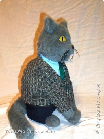 В продолжение кошачьей темы- Кот шеф-повар,сшит из иск.меха. Высота 35 см,глазки из эпоксидной смолы фото 2