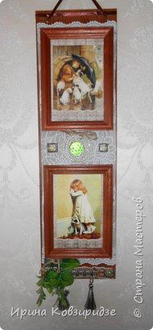Последние два панно. Основа ДВП 950х15см) Резиновая салфетка, рамочки для фото, распечатки, тесьма. ленты и пр. фото 6