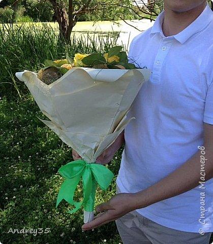 Вот и наконец-то дошли руки до фруктового букета, насмотрелись и не удержались, он сделан с глубокой душой для любимой тёти, в букете абрикосы,киви,лаймы и розы))))  фото 14