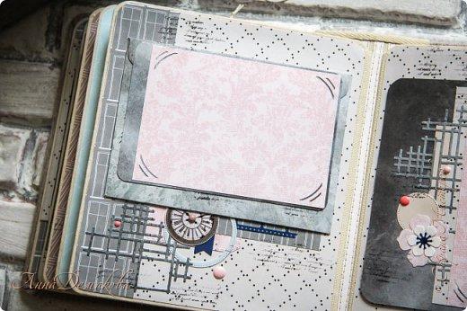 Второй альбом на юбилей пастору. Историю его создания и первую часть можно посмотреть по ссылочке указанной в конце записи.  Альбом можно хранить в коробке. Удобно и практично.  фото 23