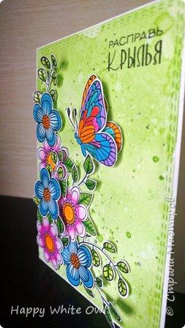 """Всем привет! Хочу поделиться с Вами своими последними открытками. К сожалению, сегодня смогу выложить не все работы. Первая открытка простая, но очень тёплая: с чашкой, чайником и маленькими цветочками.  Бумагу тонировала Disterss ink Vintage photo, надпись и чайный пакетик делала с помощью Disterss Oxide Vintage photo.  Чашка, чайник и цветочки приподняты за счет объемного двухстороннего скотча. Выбрала надпись """"Расцветай от счастья"""", т.к. она нежная и добрая. фото 6"""