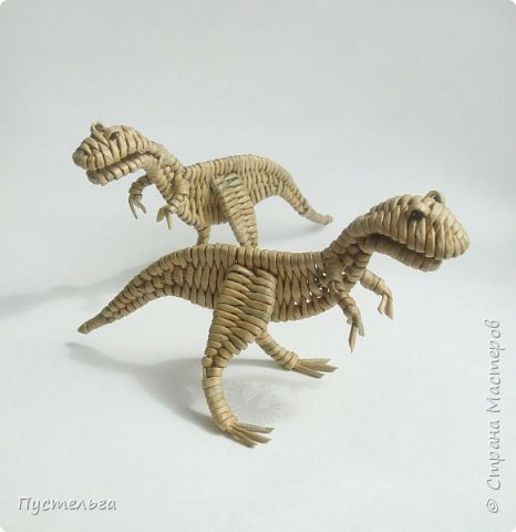 У каждой бабушки должна быть парочка динозавров в шкафу на случай приезда внуков!  фото 1