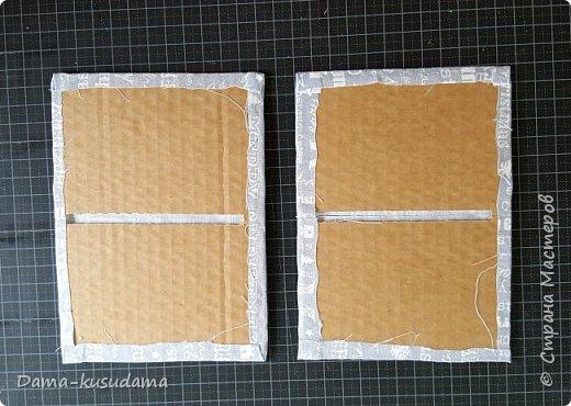Сделала коробки из картона, некоторые делала с нуля, некоторые обклеивала обычные картонные коробки. Самым сложным оказалось делать оргагайзер, долго придумывала как его сделать внутри. Ниже напишу как.  фото 21
