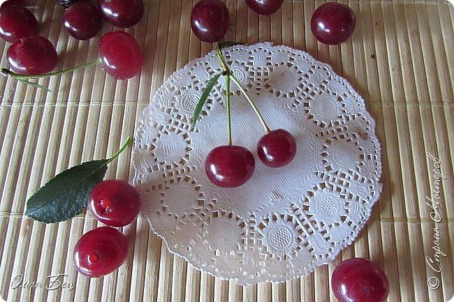 Доброго дня всем жителям Страны Мастеров! ягодное лето продолжается! Сегодня угощаемся спелой ВИШНЕЙ! Немного фото, поэзии и кулинарное блюдо с вишней! фото 6