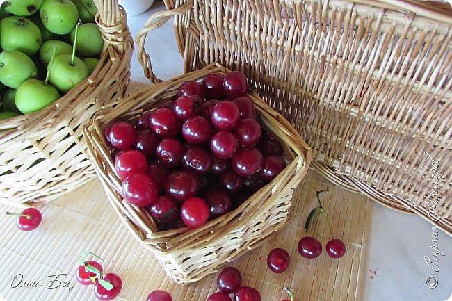 Доброго дня всем жителям Страны Мастеров! ягодное лето продолжается! Сегодня угощаемся спелой ВИШНЕЙ! Немного фото, поэзии и кулинарное блюдо с вишней! фото 8