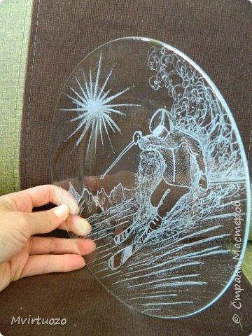 Я дорвалась! Благодаря мастерам и мастерицам Страны Мастеров я загорелась идеей рисования на стекле, купила гравер и наваяла всего столько, сто смотреть утомительно.. Кто досмотрит до конца мои, не всегда успешные попытки сфотографировать стекло - МОЛОДЕЦ! фото 48