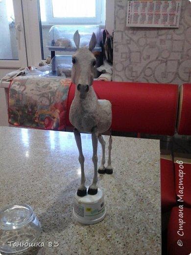 Привет всем.  Этот Конь очень большой па моим меркам,делаю для подруги,ждет она его аж сентября того года,но он к ней не торопится все время палки в колеса втыкает. фото 3