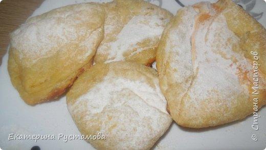 Вкусное печенье слойка с белковой начинкой.  Печенье по этому рецепту получается очень нежное, сладкое, съедается очень быстро.
