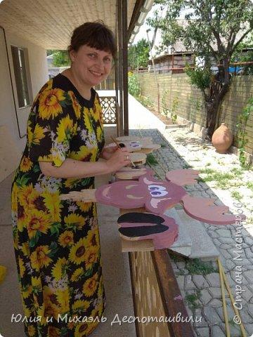 Наши новые соседи очень любопытны ))) Это украшение для двора и сада выпилил Михаэль, а я расскрасила фото 4