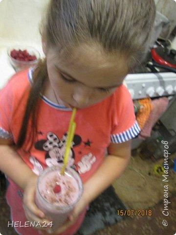 Готовила для Катюшки. Пока есть ягоды придумываю вкусняшки с ними.Ребёнок ягоды свежие ест плохо.Вот блин проблема ,получается со вкусом ягод ей вкуснее чем сами ягоды ,испортили искуственные добавки у ребёнка вкус. фото 15