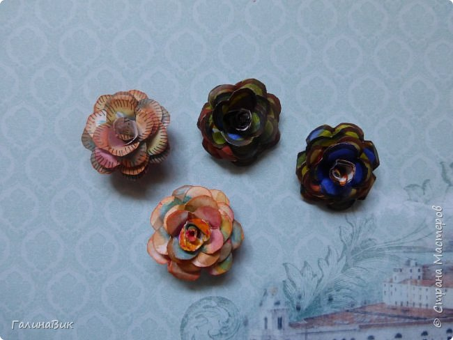 Всем добрый вечер! Предлагаю посмотреть коробочки для сладостей и самодельные цветы. Ниже привожу мини-МК таких цветов. фото 25