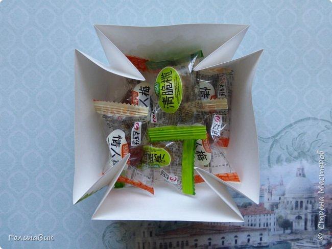Всем добрый вечер! Предлагаю посмотреть коробочки для сладостей и самодельные цветы. Ниже привожу мини-МК таких цветов. фото 20
