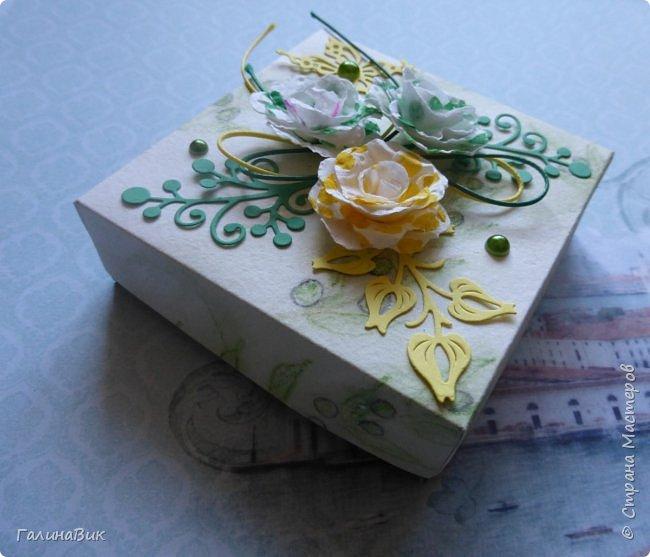 Всем добрый вечер! Предлагаю посмотреть коробочки для сладостей и самодельные цветы. Ниже привожу мини-МК таких цветов. фото 17