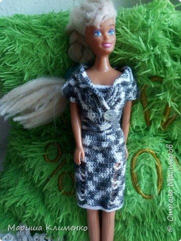 Вязаный костюм для куклы фото 1