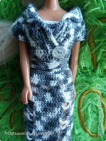 Вязаный костюм для куклы фото 2