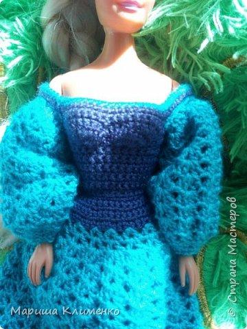 Вязаное платье с пышным руковом для барби фото 2