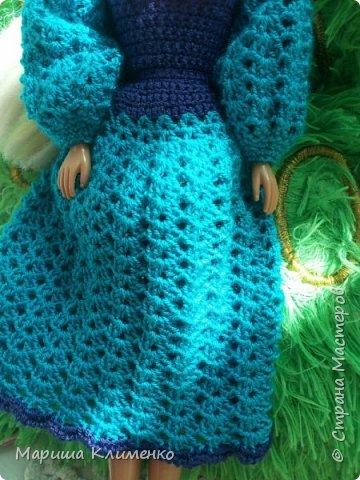 Вязаное платье с пышным руковом для барби фото 3