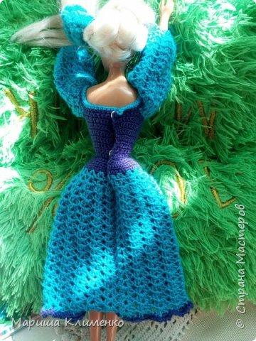 Вязаное платье с пышным руковом для барби фото 5