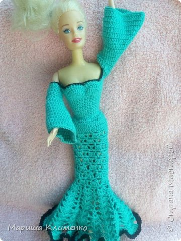 Вязаное плате с длинным руковом для куклы фото 6