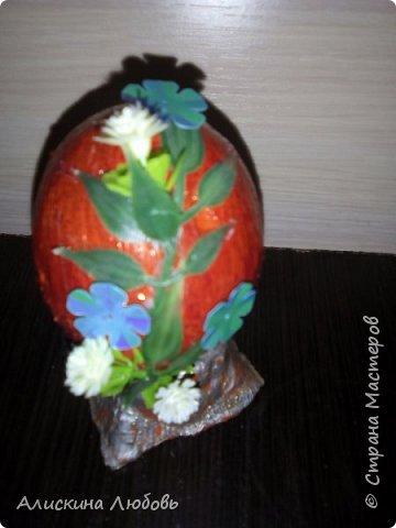 Искусственные цветы. Бисер и статуэтка  голуби. фото 2
