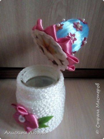 Искусственные цветы. Бисер и статуэтка  голуби. фото 4