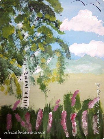 Представляю разработку мастер - класса «Белая берёзка».  Хочу показать новый метод правополушарного рисования, позаимствованный у Наташи Йорк и возможности строительной плоской кисти. Детям очень нравится. фото 21