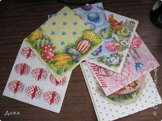 Всем огромный привет! Продолжаю показывать свои открытки :-)   Сегодня хочу вам показать двадцать вторую открытку, которую я сделала для одноклассницы. Открытка про лесную полянку. Какая -то простенькая получилась, наверное уже идеи иссякли. Вручила в конце мая, уже успела устать.   Фон нарисовала акварельными красками, приклеила вырубки цветочков и листочков.  Фоток мало фото 10