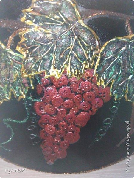Виноград красный-отошла от стандартного чёрный и золочение, решила сделать его красным , листья с зелёными прожилками, с вкраплениями золотого и красного- как вышло судить вам) фото 2