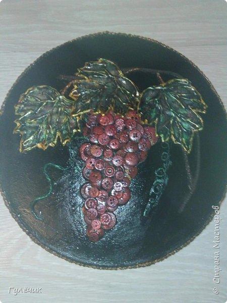 Виноград красный-отошла от стандартного чёрный и золочение, решила сделать его красным , листья с зелёными прожилками, с вкраплениями золотого и красного- как вышло судить вам) фото 1