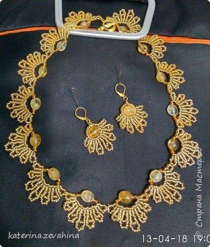 К своему юбилею наплела ожерелий. чтобы оделить всех гостей фото 2