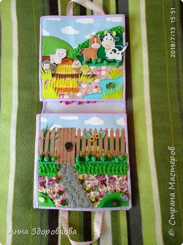 Сумочка - кукольный домик, где живут две куколки. фото 3