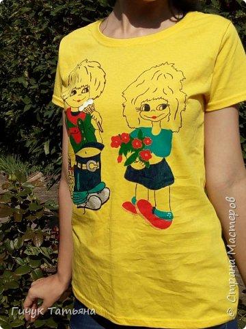 Лето ,лето ,лето - это море идей и фантазий .Вот и моя идея, воплотившись в жизнь, выглядит вот так : комплект -футболка с нанесённым рисунком и шорты . фото 4