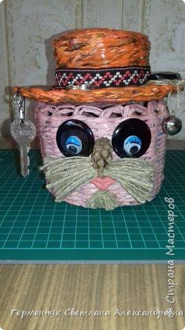 """Добрый день!!!  Сегодня представляю Вам  шкатулку """"Домовенок - оберег""""  из бумажных трубочек. фото 9"""