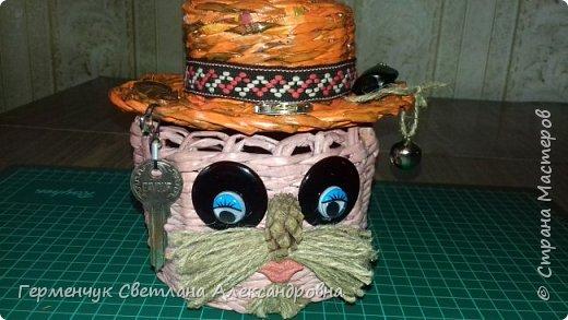 """Добрый день!!!  Сегодня представляю Вам  шкатулку """"Домовенок - оберег""""  из бумажных трубочек. фото 21"""