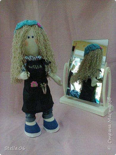 """Что то я в последнее время """"подсела"""" на кукол. Были в запасах ножницы, решила будет ПАРИКМАХЕР! фото 3"""
