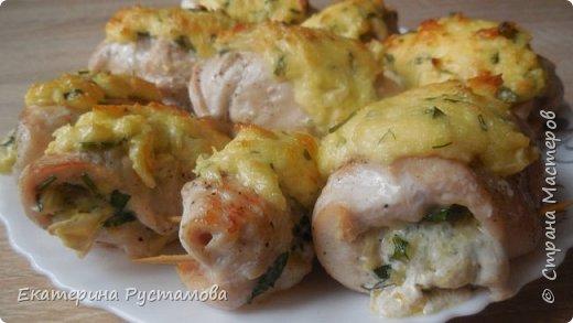 Фаршированное куриное филе с сыром и зеленью - идеальный вариант как для ужина на каждый день, так и для вкусного праздничного блюда.