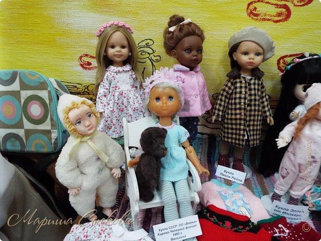 В воскресенье прошла моя вторая Выставка -Ярмарка : Планета кукол , которую я организовывала . Я со своими куколками . фото 8