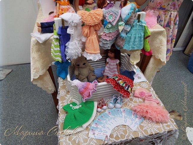 В воскресенье прошла моя вторая Выставка -Ярмарка : Планета кукол , которую я организовывала . Я со своими куколками . фото 16