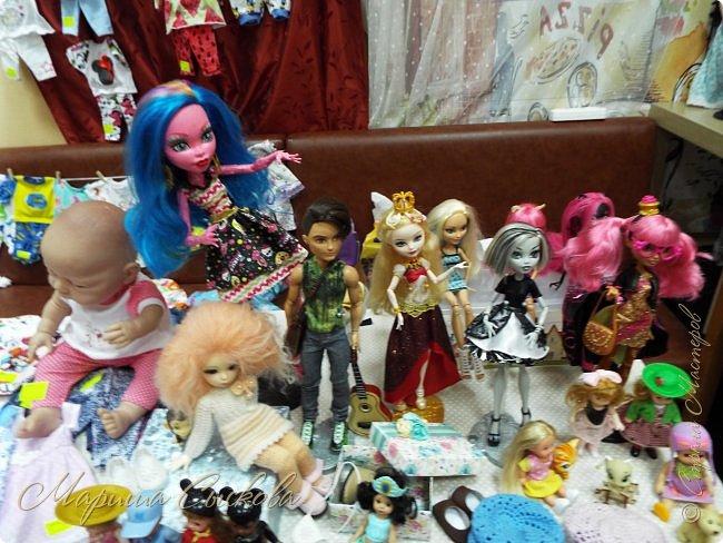 В воскресенье прошла моя вторая Выставка -Ярмарка : Планета кукол , которую я организовывала . Я со своими куколками . фото 21