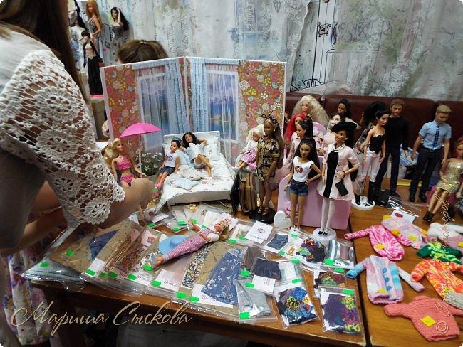 В воскресенье прошла моя вторая Выставка -Ярмарка : Планета кукол , которую я организовывала . Я со своими куколками . фото 29