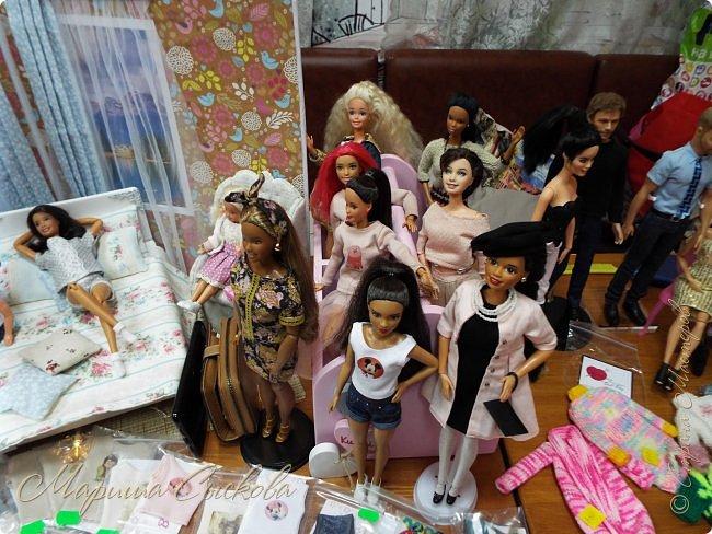 В воскресенье прошла моя вторая Выставка -Ярмарка : Планета кукол , которую я организовывала . Я со своими куколками . фото 31