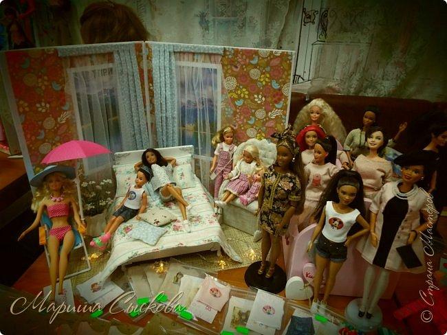 В воскресенье прошла моя вторая Выставка -Ярмарка : Планета кукол , которую я организовывала . Я со своими куколками . фото 32