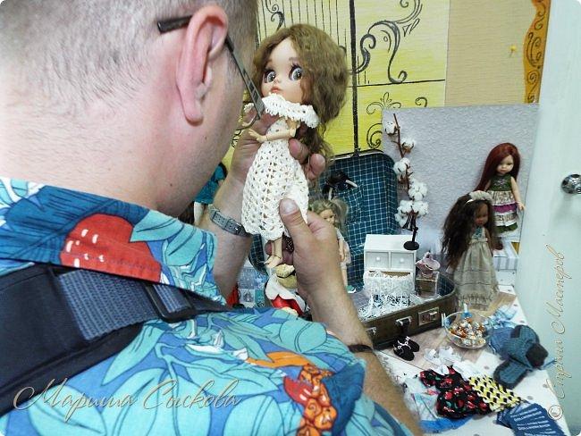 В воскресенье прошла моя вторая Выставка -Ярмарка : Планета кукол , которую я организовывала . Я со своими куколками . фото 68