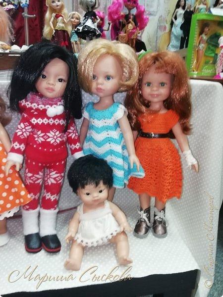 В воскресенье прошла моя вторая Выставка -Ярмарка : Планета кукол , которую я организовывала . Я со своими куколками . фото 57