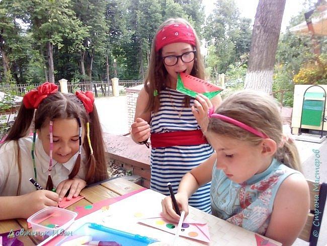 """Добрый день. Провёл мастер-класс по оригами для детей в возрасте от 3 года до 14 лет. Мероприятие называлось """"Пингвины без ангины"""".  Работы предназначены для раннего развития детей  Очень много было желающих сделать вот такое мороженное рожок.   Работы делаем по сложности изготовления 1)   фото 22"""