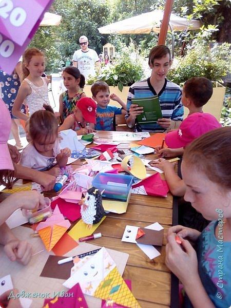 """Добрый день. Провёл мастер-класс по оригами для детей в возрасте от 3 года до 14 лет. Мероприятие называлось """"Пингвины без ангины"""".  Работы предназначены для раннего развития детей  Очень много было желающих сделать вот такое мороженное рожок.   Работы делаем по сложности изготовления 1)   фото 23"""