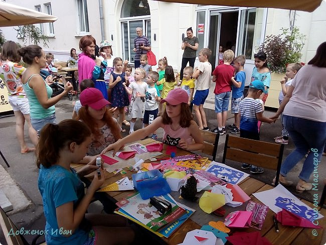 """Добрый день. Провёл мастер-класс по оригами для детей в возрасте от 3 года до 14 лет. Мероприятие называлось """"Пингвины без ангины"""".  Работы предназначены для раннего развития детей  Очень много было желающих сделать вот такое мороженное рожок.   Работы делаем по сложности изготовления 1)   фото 24"""